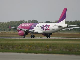 Wizz Air ułatwia życie podróżnym. Wreszcie można zabrać na pokład większy bagaż podręczny