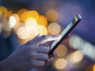 Życzenia świąteczne przez SMS. Czy warto?
