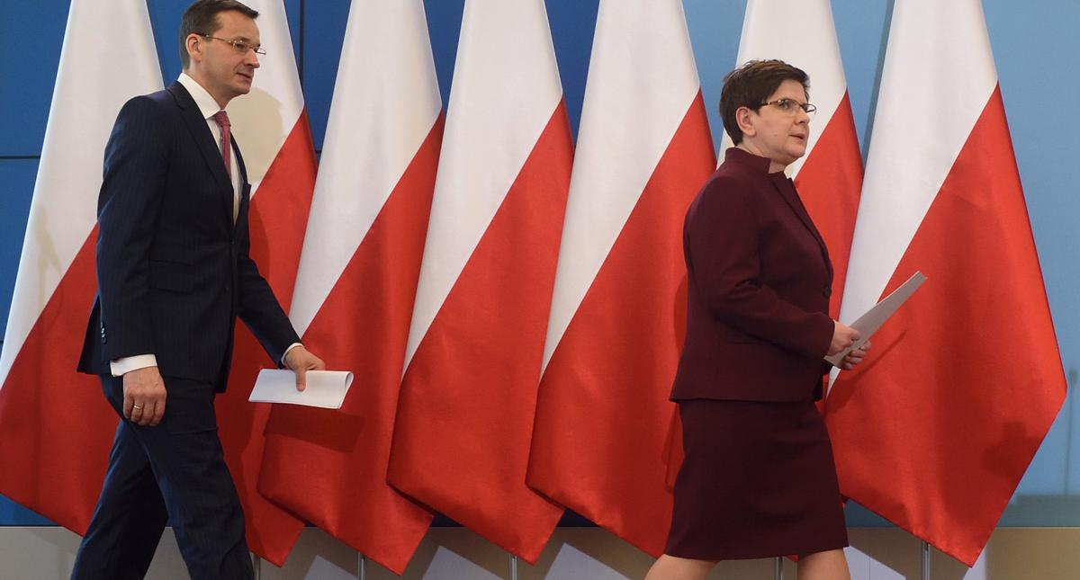Konferencja Prasowa po zakonczonym posiedzeniu rzadu Szydlo, Morawiecki.