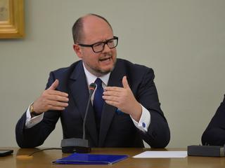 """Prezydent Gdańska: """"Nie miałem żadnych kontaktów z właścicielem Amber Gold"""". Ale członkowie komisji wolą ufać przestępcy"""