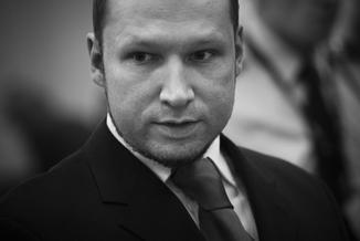 """Breivik przegrał w sądzie. Oskarżał Norwegię o """"nieludzkie traktowanie"""""""