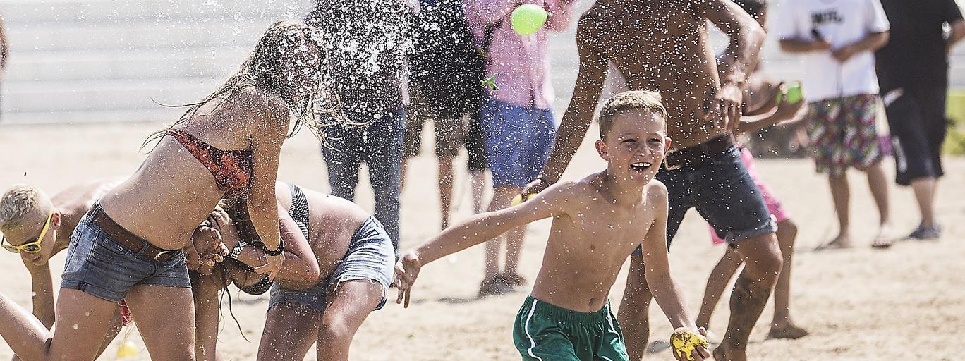 plaża wakacje zabawa