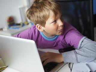 Programy blokujące treści nie chronią dzieci przed pornografią