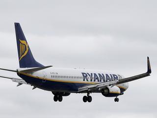 Setki tysięcy wkurzonych klientów i milionowe straty. Ryanair ma problem