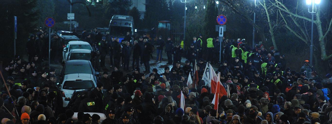 protest przed Sejmem od strony ul. Górnośląskiej