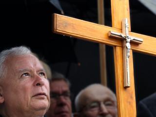 Jarosław Kaczyński krzyż kościół