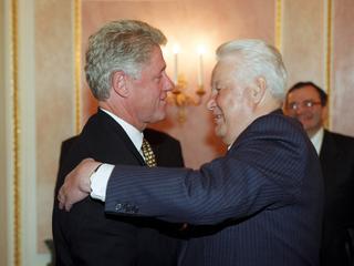 Tak Jelcyn negocjował z Clintonem podział świata