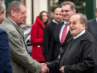 Ile dostał ojciec Rydzyk od PiS?