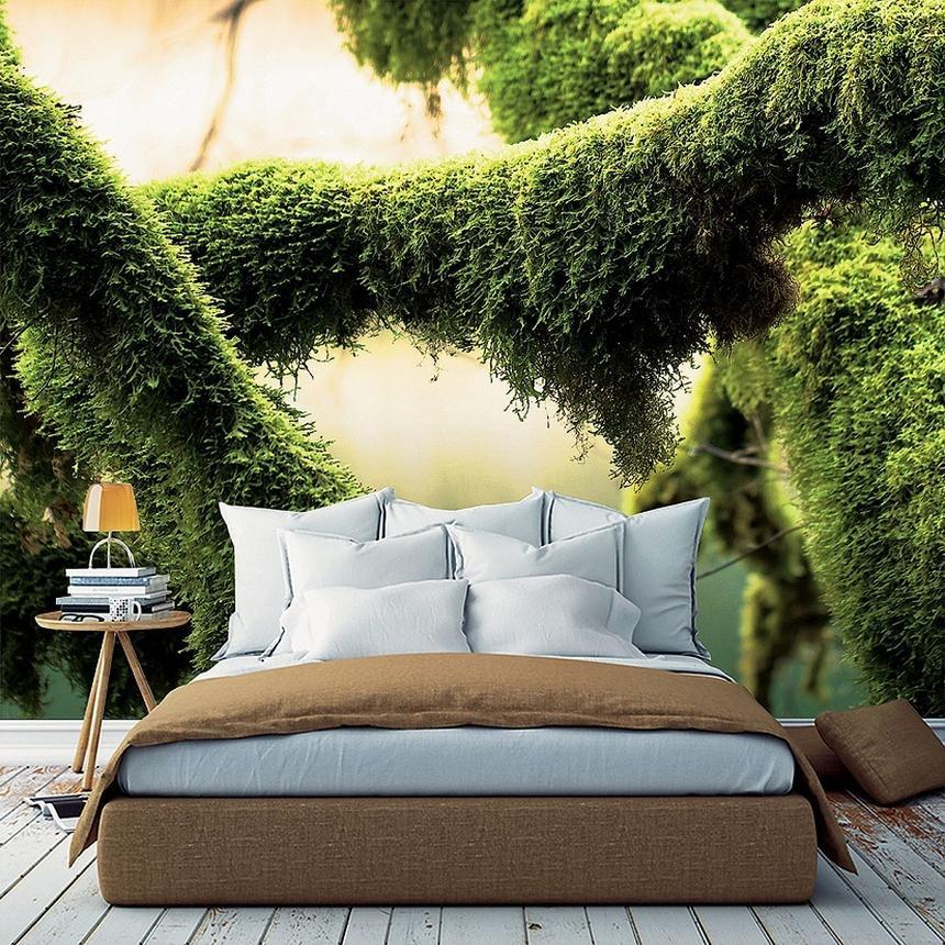 Sypialnia jak z bajki. Roślinne motywy pojawiają się w tym sezonie także na tapetach (www.wallart.com.pl).