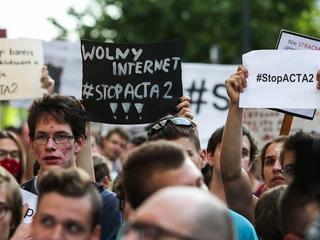 Manipulacja w 2. ACTA(ch). PiS wykorzystuje debatę o wolności w internecie by uderzyć w PO