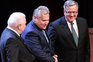 """List Wałęsy, Kwaśniewskiego i Komorowskiego: """"Głęboko niepokoi nas eurosceptyczna polityka polskiego rządu"""""""