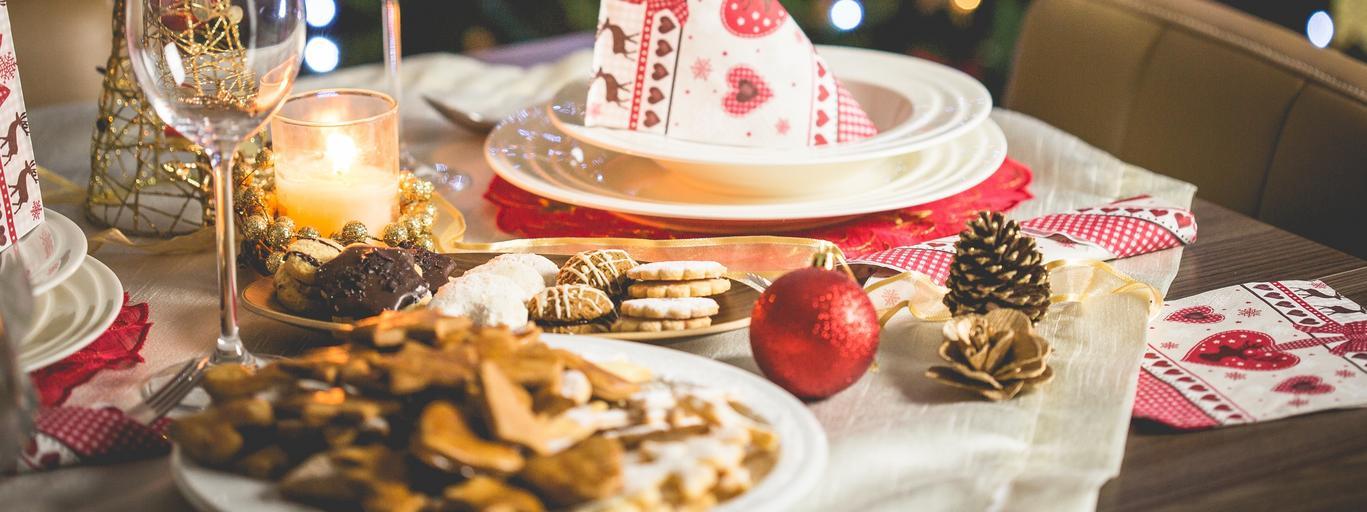 stół świąteczny święta dekoracje