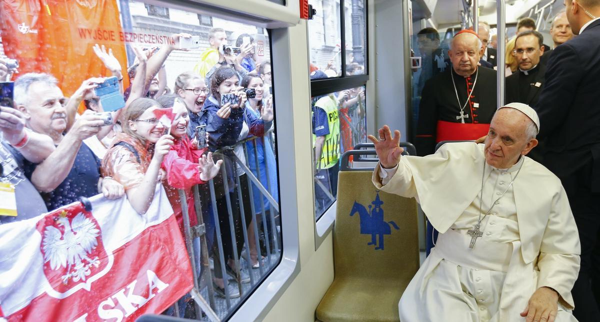 ?DM 2016 - Papiez podró?uje tramwajem - Przekazanie kluczy do bram Krakowa