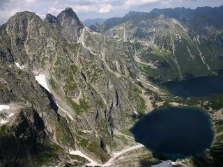 Tatry: Tłumy turystów na górskich szlakach
