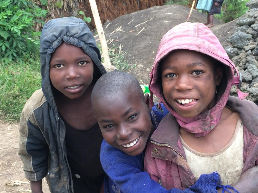 Dziećmi, którym pomaga Fundacja Kasisi