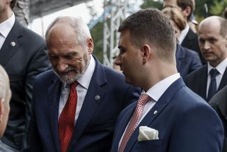 Macierewicz nie wytrwa do końca kadencji. Rozpoczęła się walka o prestiż i szacunek partyjnych działaczy