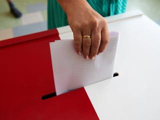 PiS w ostatniej chwili zmienia własny projekt kodeksu wyborczego