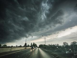Ostrzeżenia przed burzami i gradem. Na Dolnym Śląsku czerwony alert