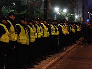 Policja chce ścigać demonstrantów spod Sejmu? Sami się do niej zgłaszają