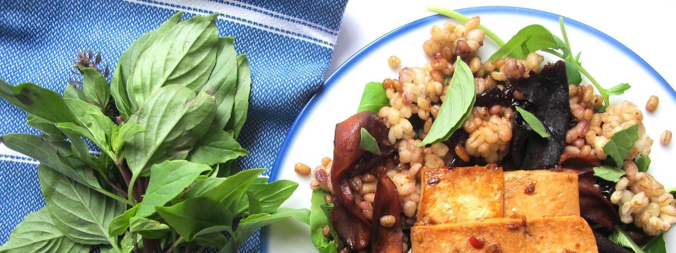 Sałatka marynowanym tofu