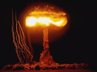 """USA zmieniają politykę. """"Prawdopodobieństwo wojny jądrowej rośnie"""""""