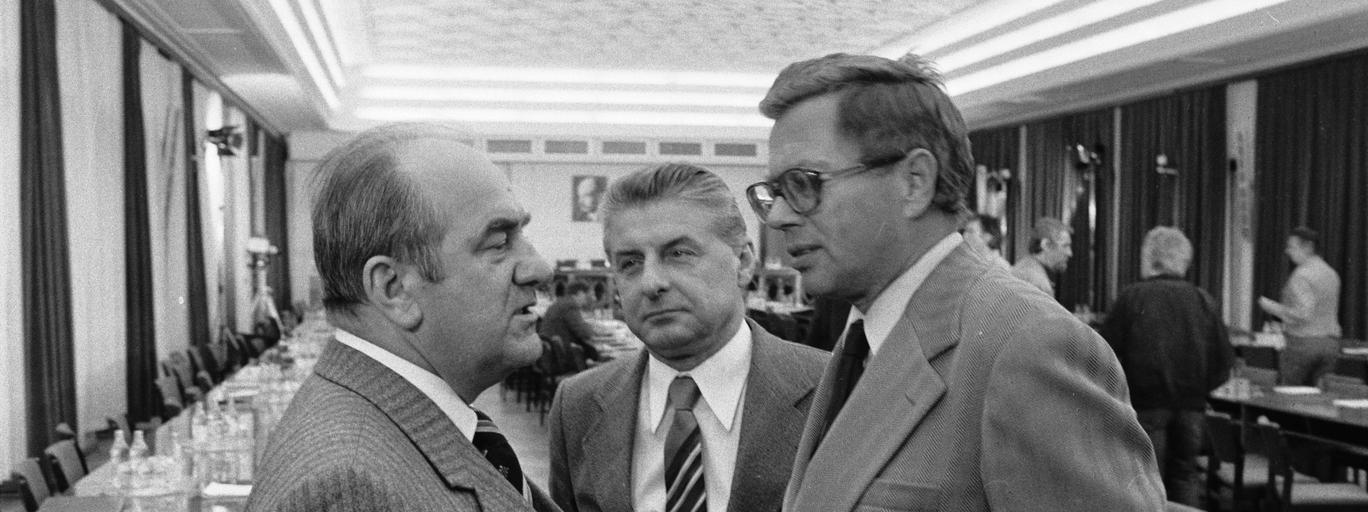 Plenum Jan Szydlak Jerzy Łukaszewicz Maciej Szczepański Komitet Centralny Polska Zjednoczona Partia Robotnicza