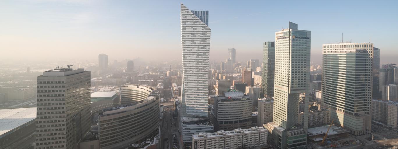 Warszawa smog zima panorama wieżowce drapacze chmur