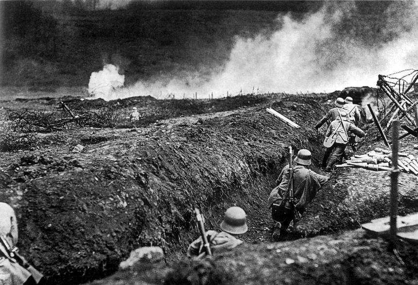 Niemieccy żołnierze w okopach