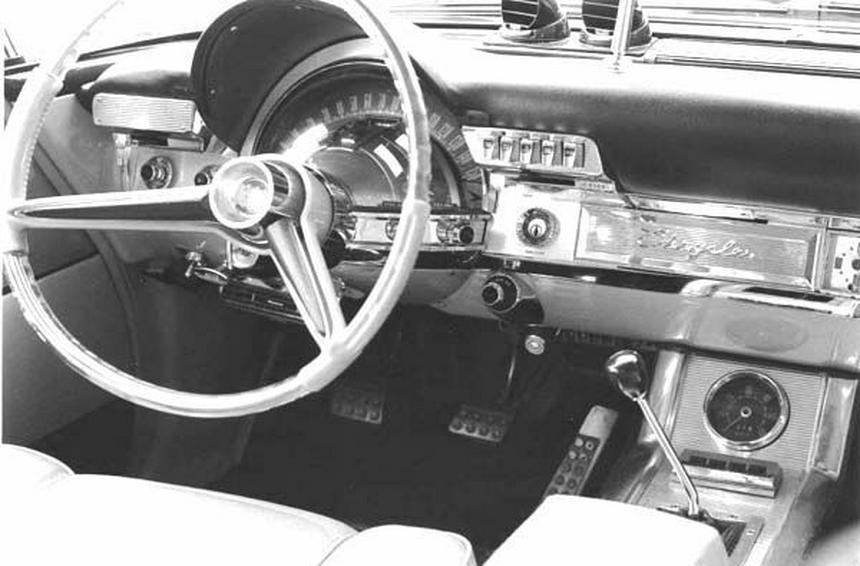 Kokpit Chryslera 300F