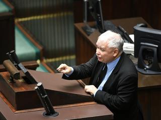 """Kaczyńskiemu puściły nerwy. Krzyczy do posłów opozycji """"mordy zdradzieckie"""" i oskarża ich o mord"""