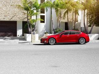 Tesla znowu zachwyca: w 2,5 sekundy do setki