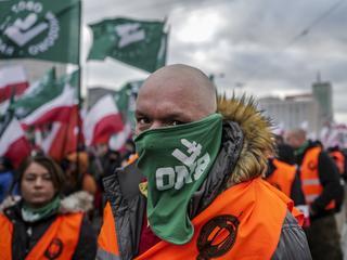"""""""Gwałt nie ma rasy"""". Protest przeciwko """"patrolom"""" polskich nacjonalistów w Rimini"""
