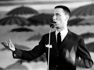 Objawy powszechnego zidiocenia. Z czego śmiały się kabarety w latach 60. i 70.