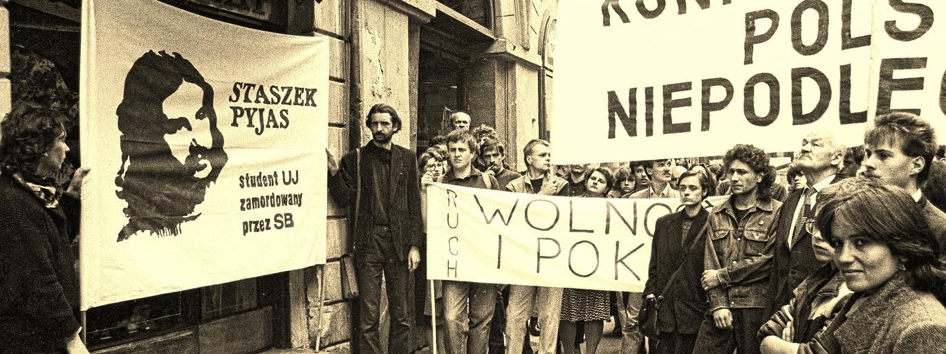 Czarny marsz w rocznicę zamordowania Stanisława Pyjasa