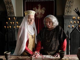 """Kto ogląda """"Koronę królów""""? Serial TVP przyciąga bardzo sprofilowaną widownię"""