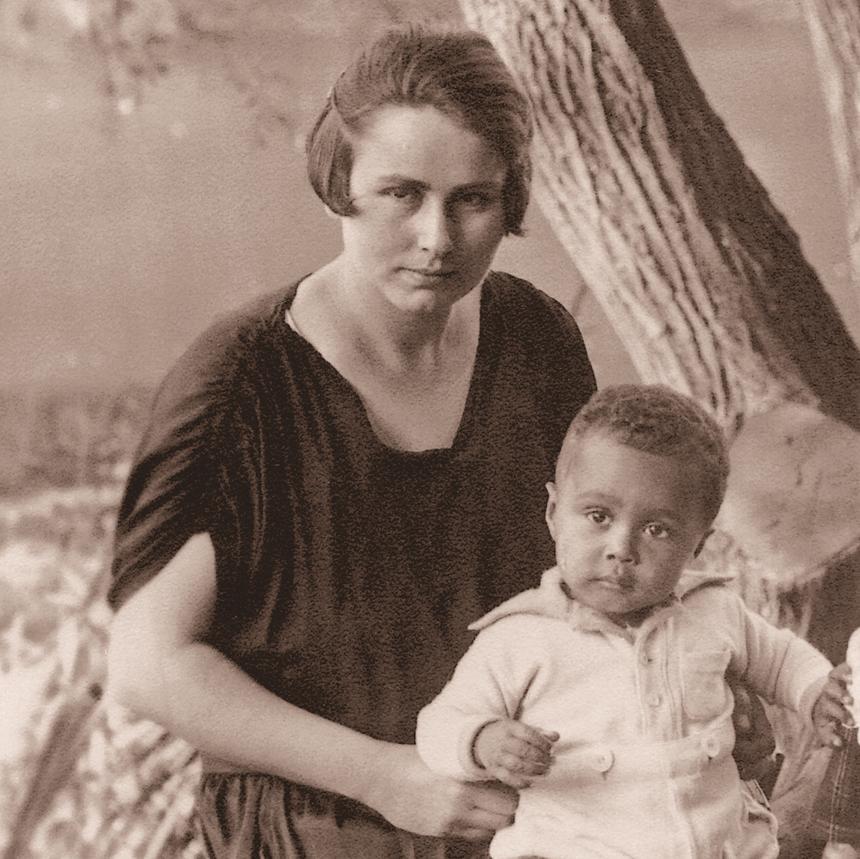 Hans-Jürgen rodzi się w 1926 roku jako syn niemieckiej pielęgniarki Berthy Baetz i liberyjskiego studenta prawa Al-Haj Massaquoia, którego ojciec jest w Hamburgu Generalnym Konsulem Liberii.