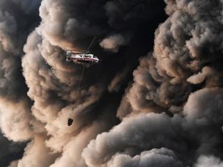 Gigantyczny pożar w Moskwie, setki tysięcy uchodźców z Birmy, starcie torreadora z bykiem