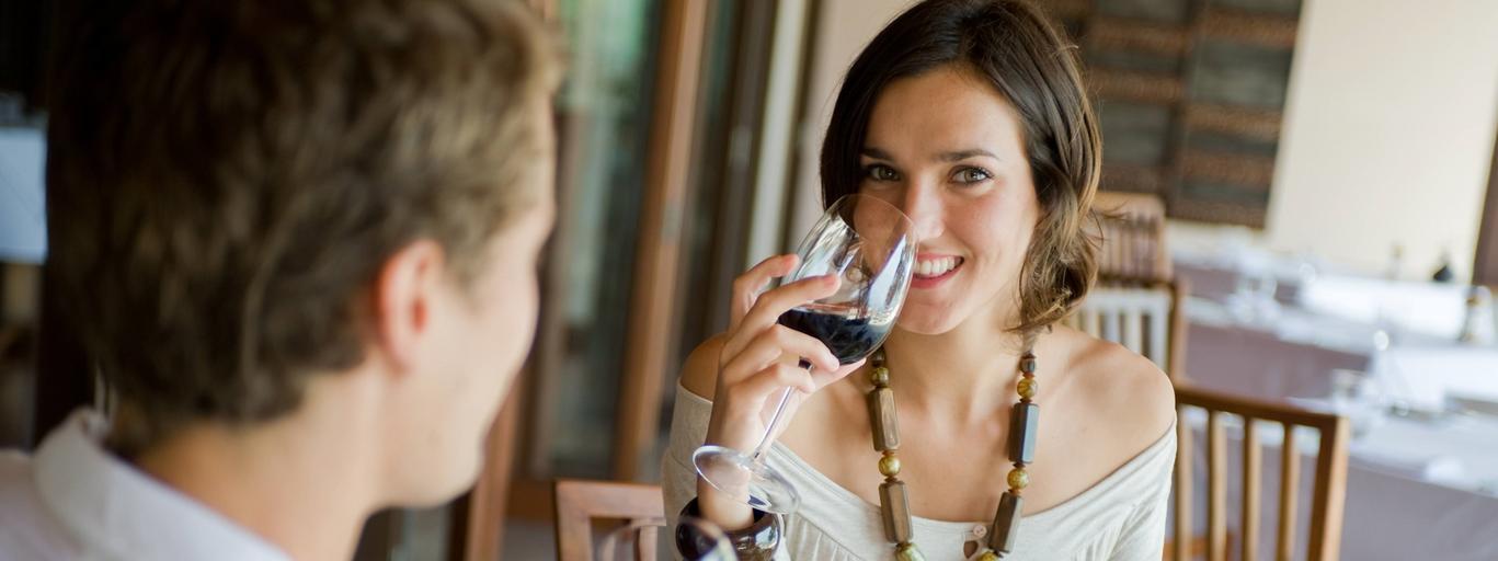 Restauracja para mężczyzna kobieta związek obiad jedzenie