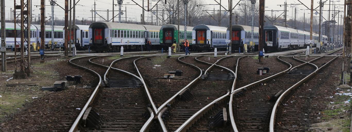 kolej PKP pociąg tory