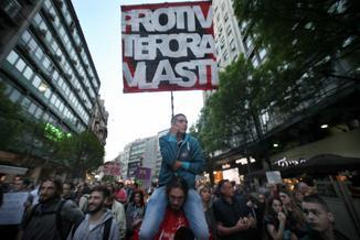 Bałkański majdan? Serbowie protestują przeciwko fałszerstwom i prezydentowi, który pracował dla Miloszevicia