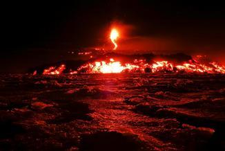 Największa od lat erupcja wulkanu Etna. Co najmniej dziesięciu rannych