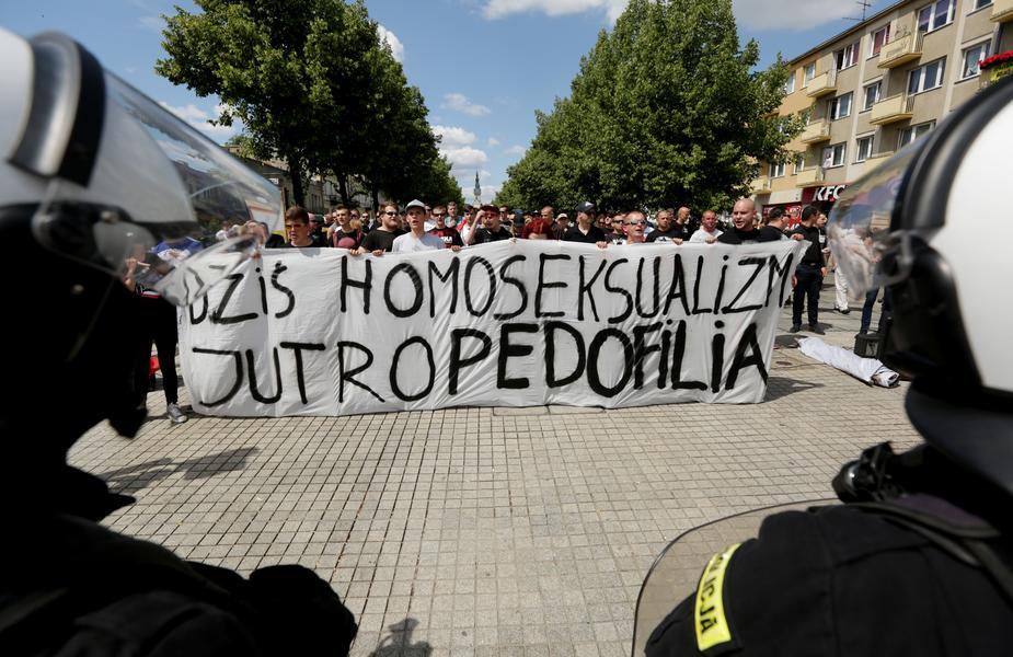 1 Marsz rownosci w Czestochowie i kontrmanifestacje