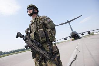 NATO zbroi się, bo boi się Rosji. To też zasługa Donalda Trumpa
