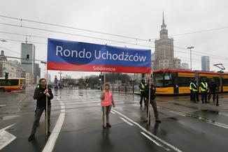 Rondo Uchodźców zamiast ronda Dmowskiego. Manifestacja przeciw rasizmowi