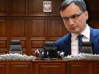 Jak Zbigniew Ziobro walczy z polskimi sądami?