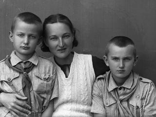 Niezwykłe historie polskich sierot