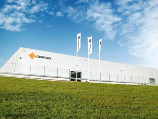 Cerrad z jedną z najnowocześniejszych fabryk na świecie i największymi płytami gresowymi w Polsce
