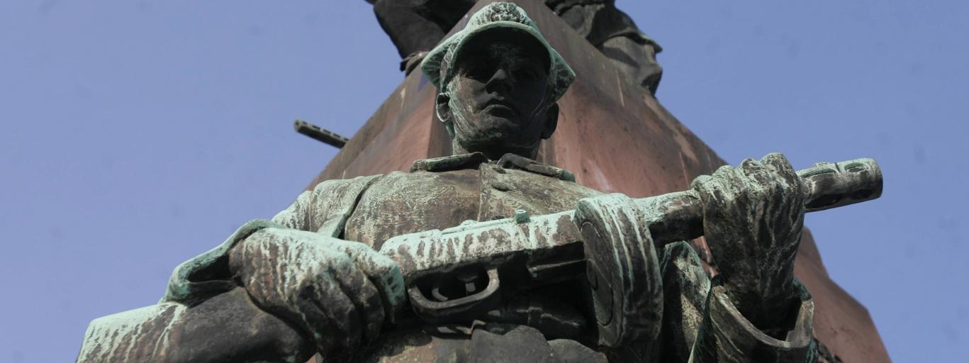 Warszawa Pomnik Czterech Śpiących Rosja Polska