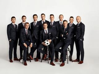 Retro elegancja. Tak wygląda oficjalny formalny strój Reprezentacji Polski na mundial w Rosji
