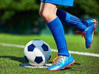 Grasz amatorsko w piłkę? Sprawdź te buty do piłki nożnej